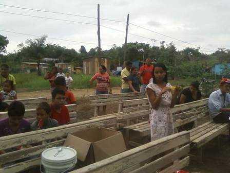 Gleici em ação solidária no Acre Foto: Reprodução