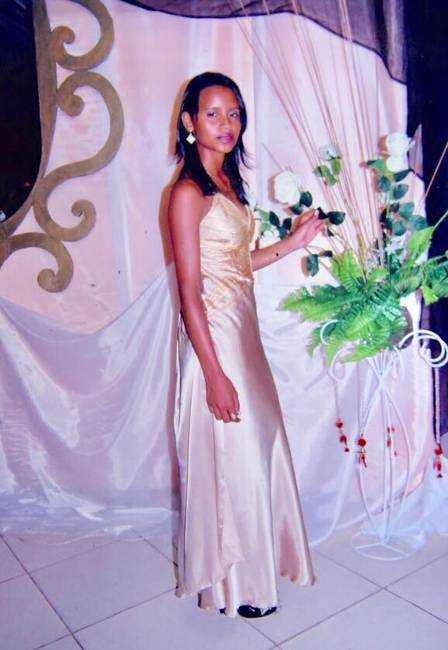 Gleici usou o vestido de uma amigo gay na formatura do Ensino Médio Foto: Jardy Lopes
