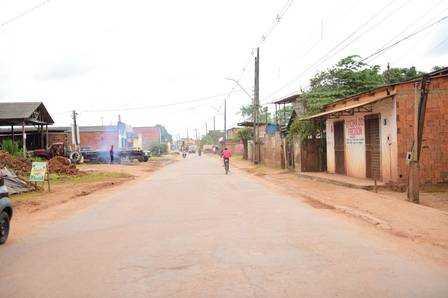 Rua que dá acesso à casa de Gleici, no Acre Foto: Jardy Lopes