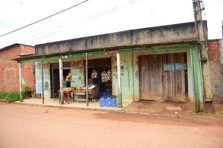 Mercearia que fica em frente da casa de Gleici; sister tem uma conta fiada lá Foto: Jardy Lopes
