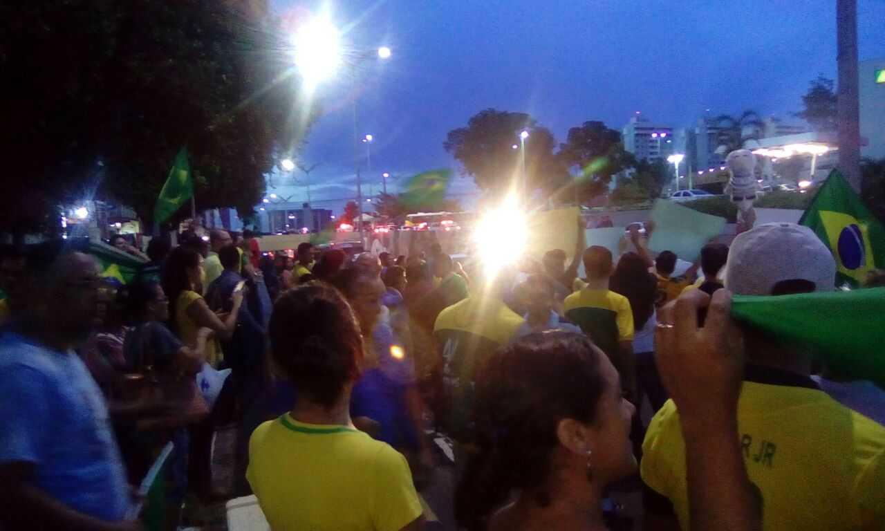 Djalma Batista é interditada parcialmente durante protesto, em Manaus - Imagem: Via Whatsapp