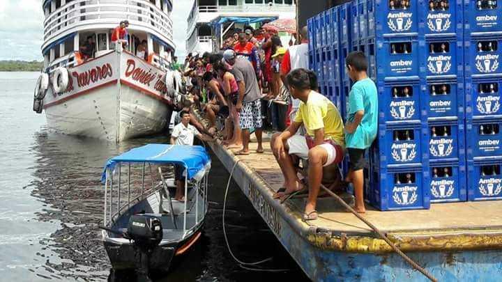 Homem desaparece no rio após cair de balsa portuária em Maués - Imagem: Via Whatsapp