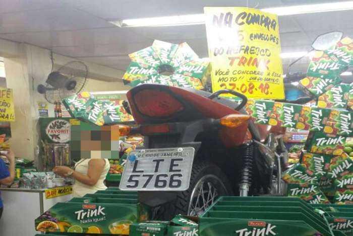 Supermercado tenta sortear moto roubada, sem saber- Imagem: Divulgação