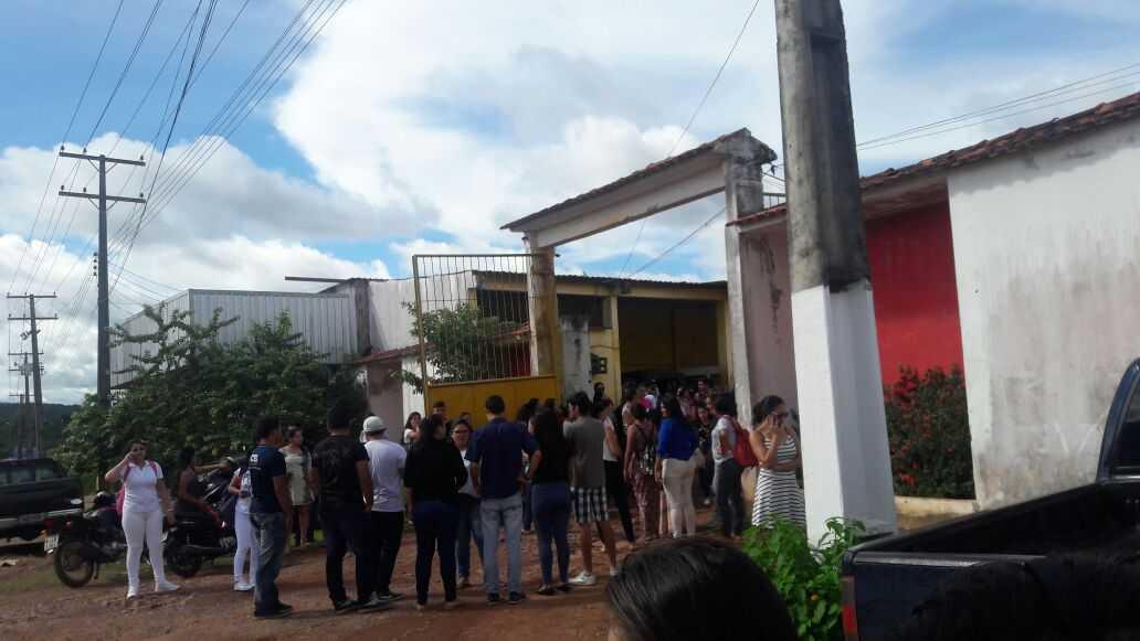 Universitários se prejudicam após greve de rota em Presidente Figueiredo / Foto : Enviada pelo Whatsapp