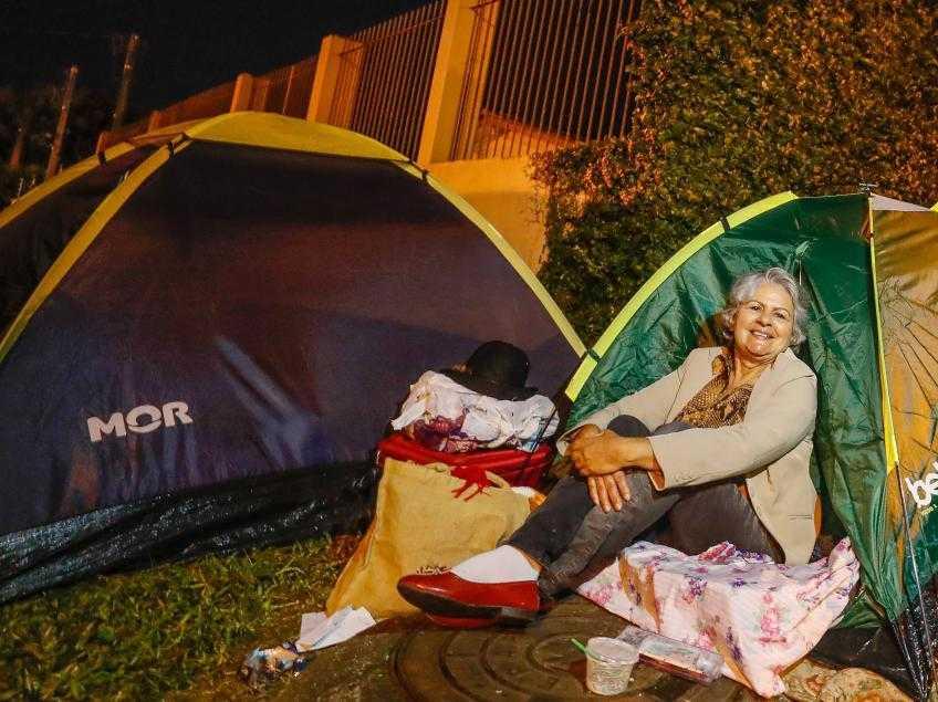 """Vera: """"Política não se faz só de cima de um palanque. Política é o que está fazendo a cozinheira deste acampamento. É o que estou fazendo aqui"""" – Foto: Ricardo Stuckert/Instituto Lula"""