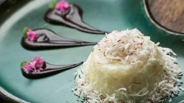 Aprenda a fazer um delicioso pudim de tapioca com calda de açaí / Foto : Revista Vogue