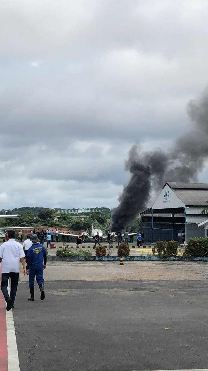 Avião cai na Zona Centro-Sul de Manaus - Imagem: Via Whatsapp