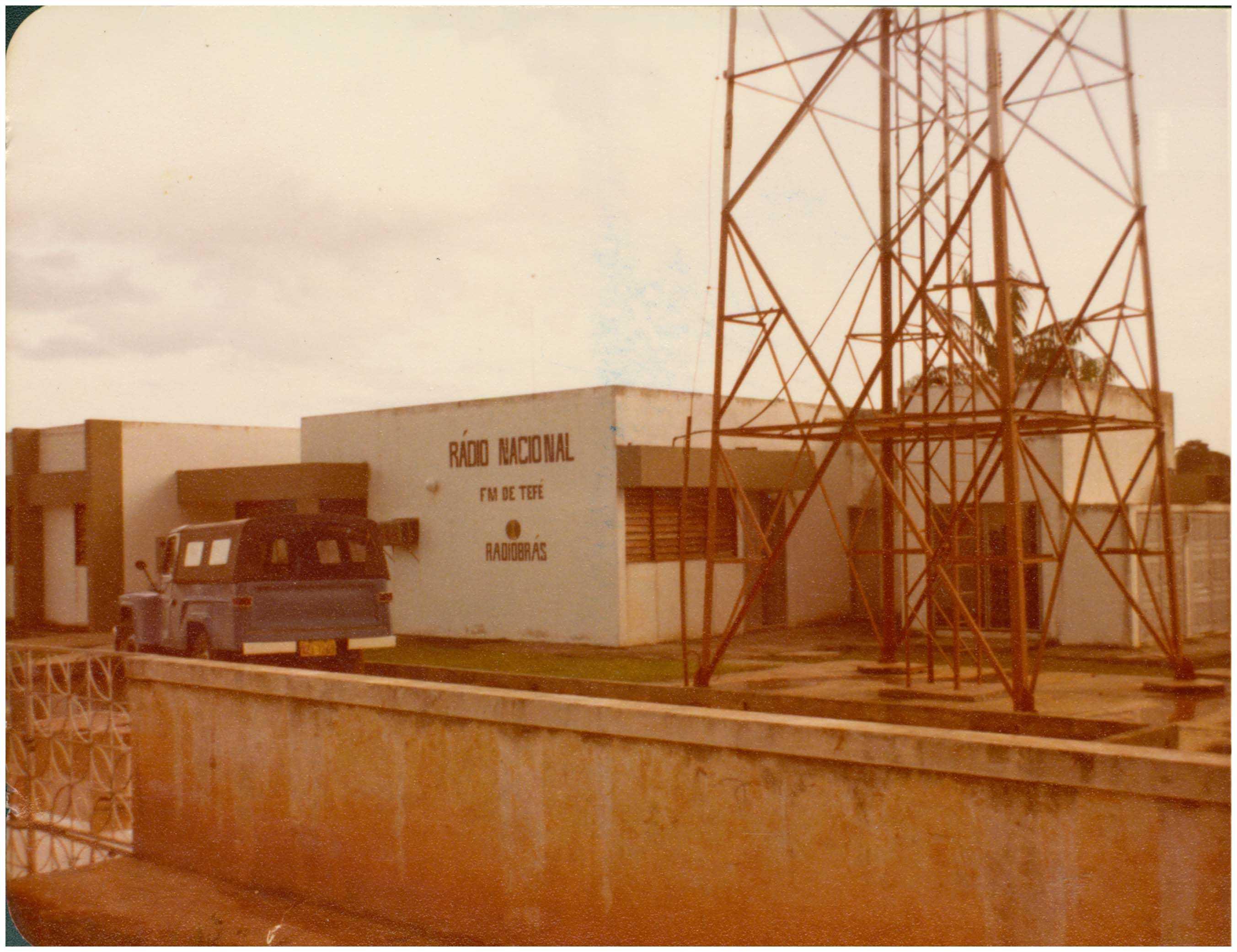 Rádio Nacional FM de Tefé : Tefé, AM - 1983 / Foto : IBGE