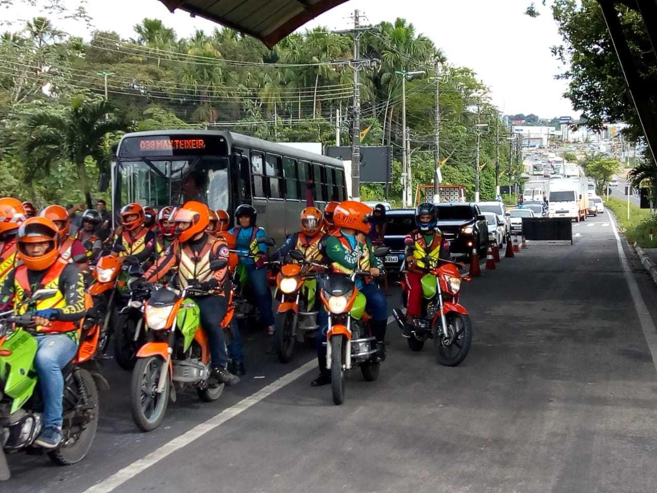 Protestos contra preço dos combustiveis, na Av. Torquato Tapajós - Imagem: Via Whatsapp