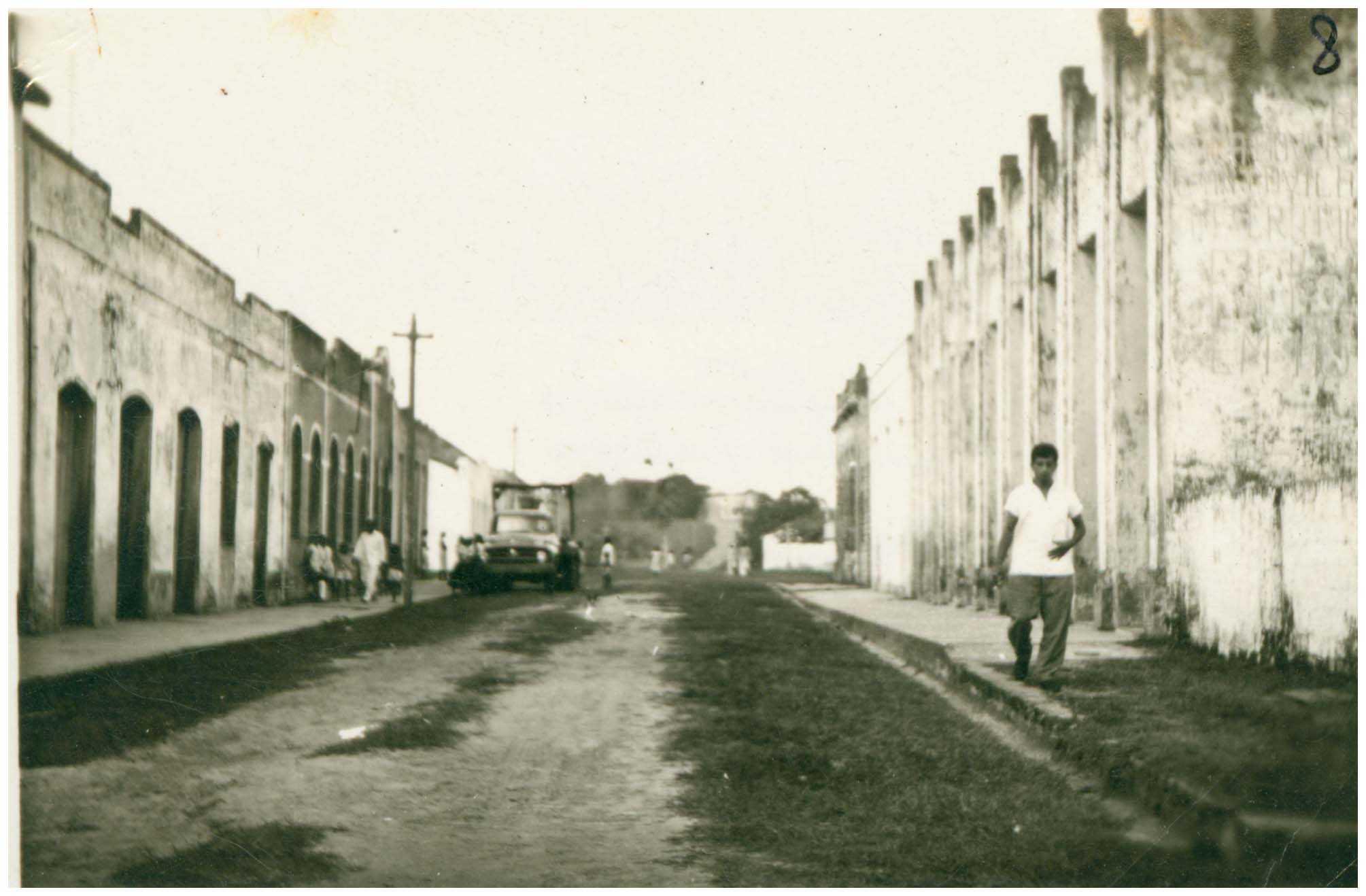 Rua Olavo Bilac : Tefé, AM - [19--] / Foto : IBGE
