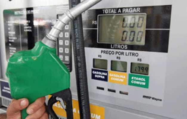 O deputado Serafim Corrêa (PSB) defendeu que o governo estadual reduza o tributo sobre o valor da gasolina e do diesel no Amazonas - Imagem: Divulgação