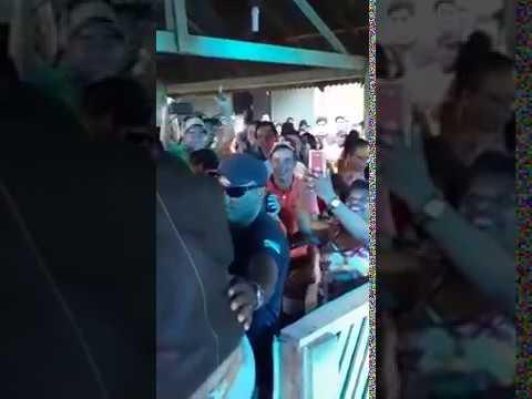 Vídeo: Wanderley Andrade sofre acidente em palco durante show no Pará - Imagem: Reprodução