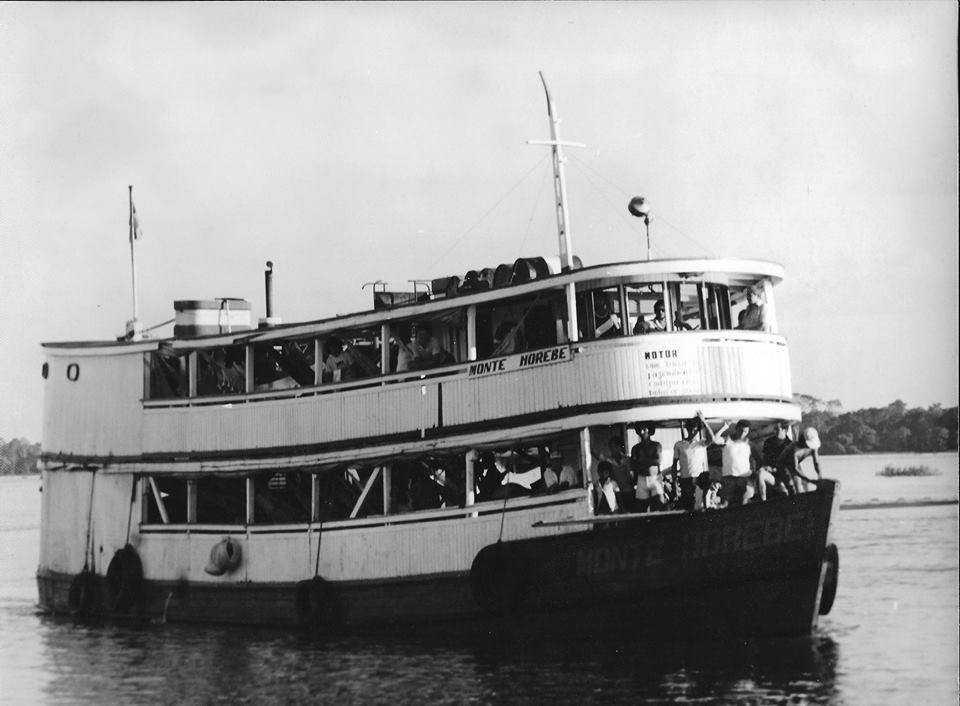 Barco regional em Codajás / Foto : Divulgação