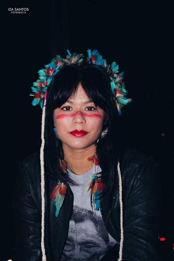 Eunice Baía, a india Tainá atualmente / Foto : Iza Santos @izafotografa
