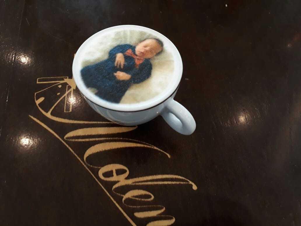 Os apaixonados por café agora podem celebrar suas maiores lembranças. Essa é a proposta do Molen Cafés Especiais com o Cappuccino Art Machine. / Foto : Divulgação