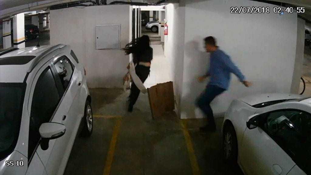 Imagens de câmeras de segurança do prédio mostram Tatiane Spitzner apanhando muito do marido antes de morrer