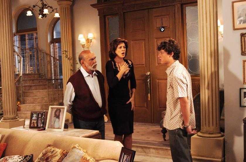 Ex-ator da Globo Vítor Morosini se joga do 5º andar de um prédio