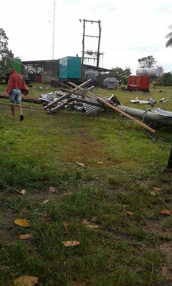 Forte temporal causa destruição em Caapiranga, no Amazonas - Imagem: Reprodução Facebook