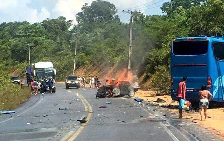 Acidente mata três pessoas na AM-10 - foto: divulgação