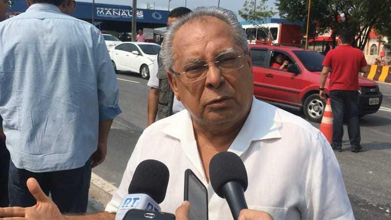 Governador Amazonino Mendes negou usar período eleitoral para pagar abono a professores com dinheiro do Fundeb (Foto: ATUAL)