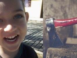 Adolescente mata irmão de 6 anos com golpe de machado na cabeça