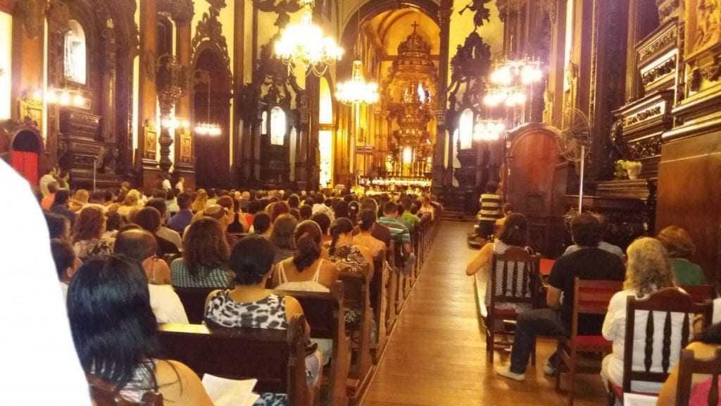 Catedral Metropolitana de Campinas recebeu cerca de 800 pessoas para missa em memória das vítimas. / Foto: Raquel Valli (10/02/2016)
