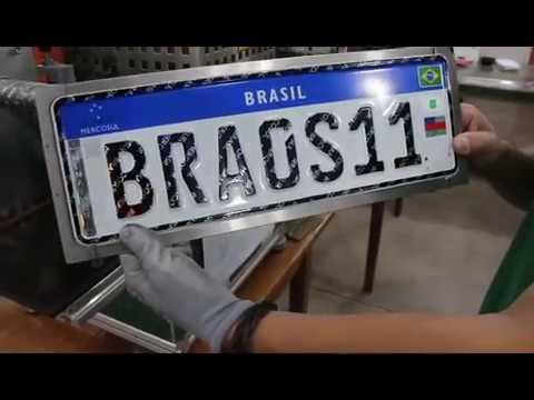 Placa Mercosul que passa a ser usada a partir dessa segunda-feira (10). / Foto: Reprodução