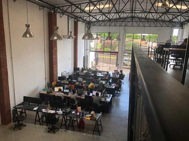 Nova sede do aiqfome em Maringá, PR. Espaço para atender a demanda de cerca de 120 cidades em operação em 14 estados do Brasil.