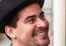 ator e cantor Thiago Martins