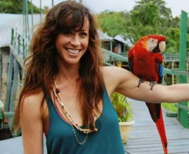 Cantora canadense Alanis Morrissete no Hotel Ariaú. / Foto: Divulgação