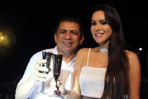 Anderson Sousa, prefeito de Rio Preto da Eva ao lado da esposa, a primeira dama Soraia. (Foto: Reprodução)