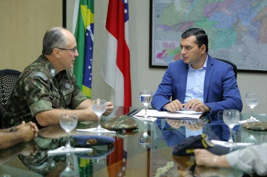 O encontro foi feito na última quarta-feira (16), na sede do Governo, localizado na Zona Oeste da capital. /Foto: Diego Peres/Secom.
