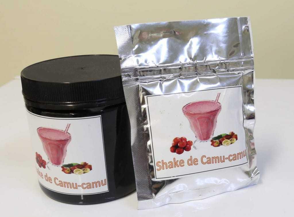 Bebida, tipo shake que mistura o pó do camu-camu na água, apresentou potencial para auxiliar no tratamento da obesidade e diabetes / Foto: Barbara Brito/FAPEAM