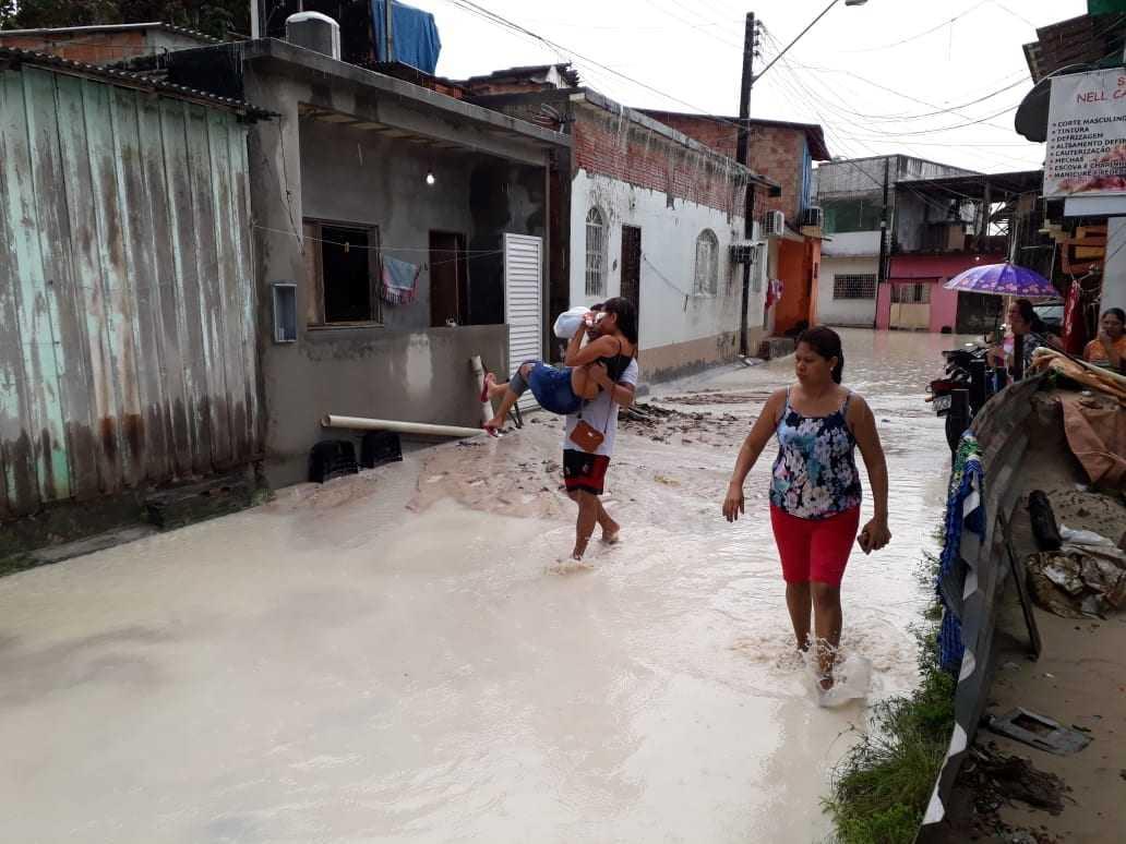 A ocorrência de deslizamento no bairro São Framcisco foi prontamente atendida pela equipe técnica da Defesa Civil. / Foto: Divulgação/Defesa Civil