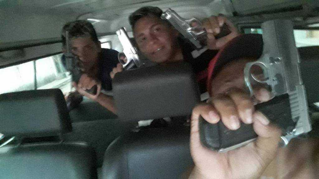 As imagens foram encontradas nas galerias dos celulares de integrantes da FDN | Foto: Divulgação