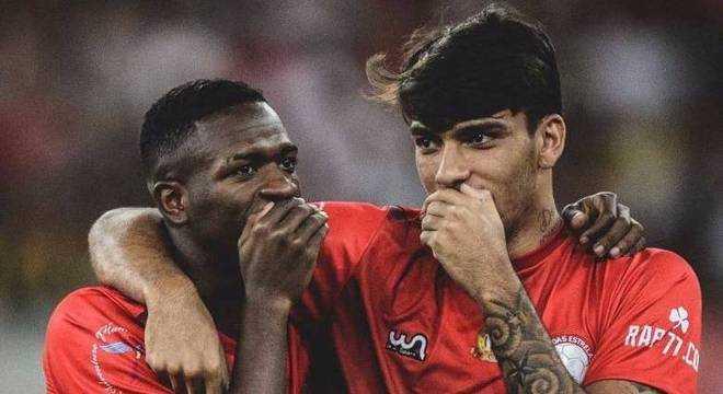 A dupla que fez sucesso na temporada passada no Flamengo volta nos próximos amistosos da seleção. / Foto: Divulgação
