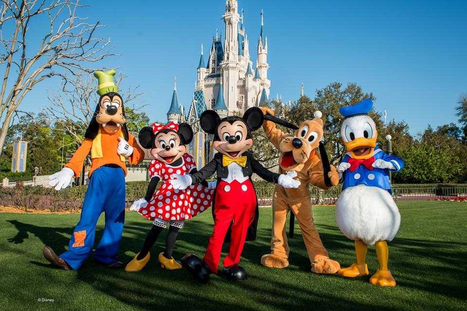 Disney remove área de fumantes e estabelece novas regras nos parques temáticos