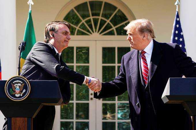 Jair Bolsonaro e Donald Trump no Jardim das Rosas. / Foto: Kevin Lamarque/Reuters