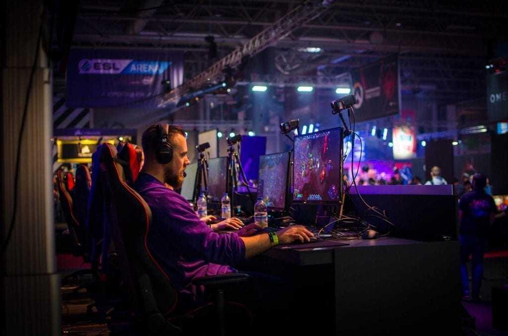 eSports deve se tornar uma indústria bilionária em 2019 / Fotopor Jamie McInall,Licença Pexels