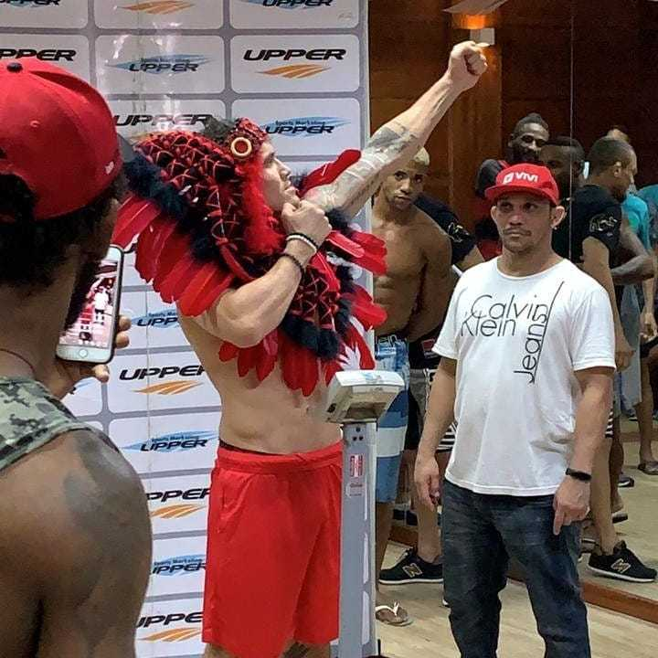 Amazonense Ronys Torres entra nesta sexta pra arrebentar Paulistenio no Shooto Brasil / Foto : Divulgação