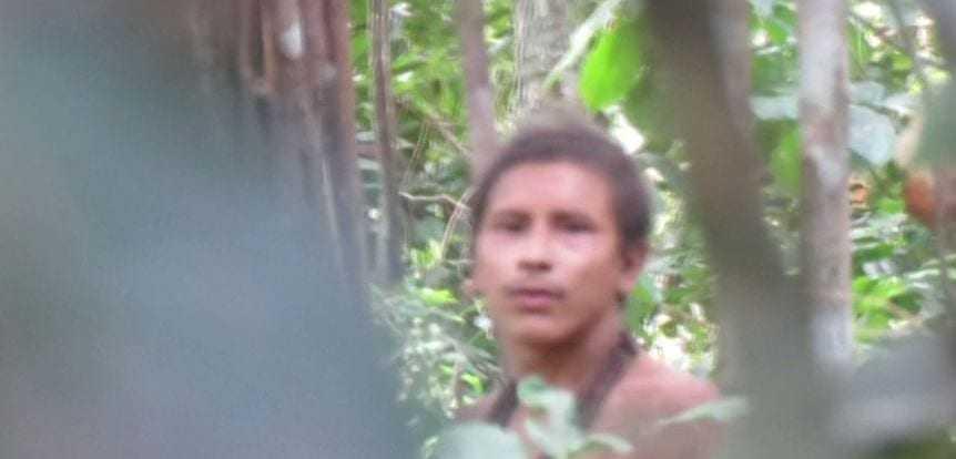 Vídeo mostra índios que vivem isolados na Amazônia, etnia Awá