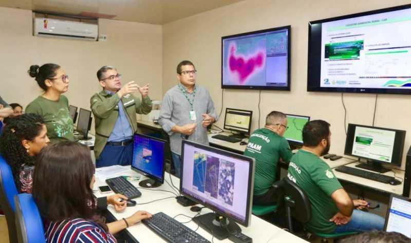 As equipes do Ipaam estão trabalhando em conjunto com técnicos da Sema. Foto: Ricardo