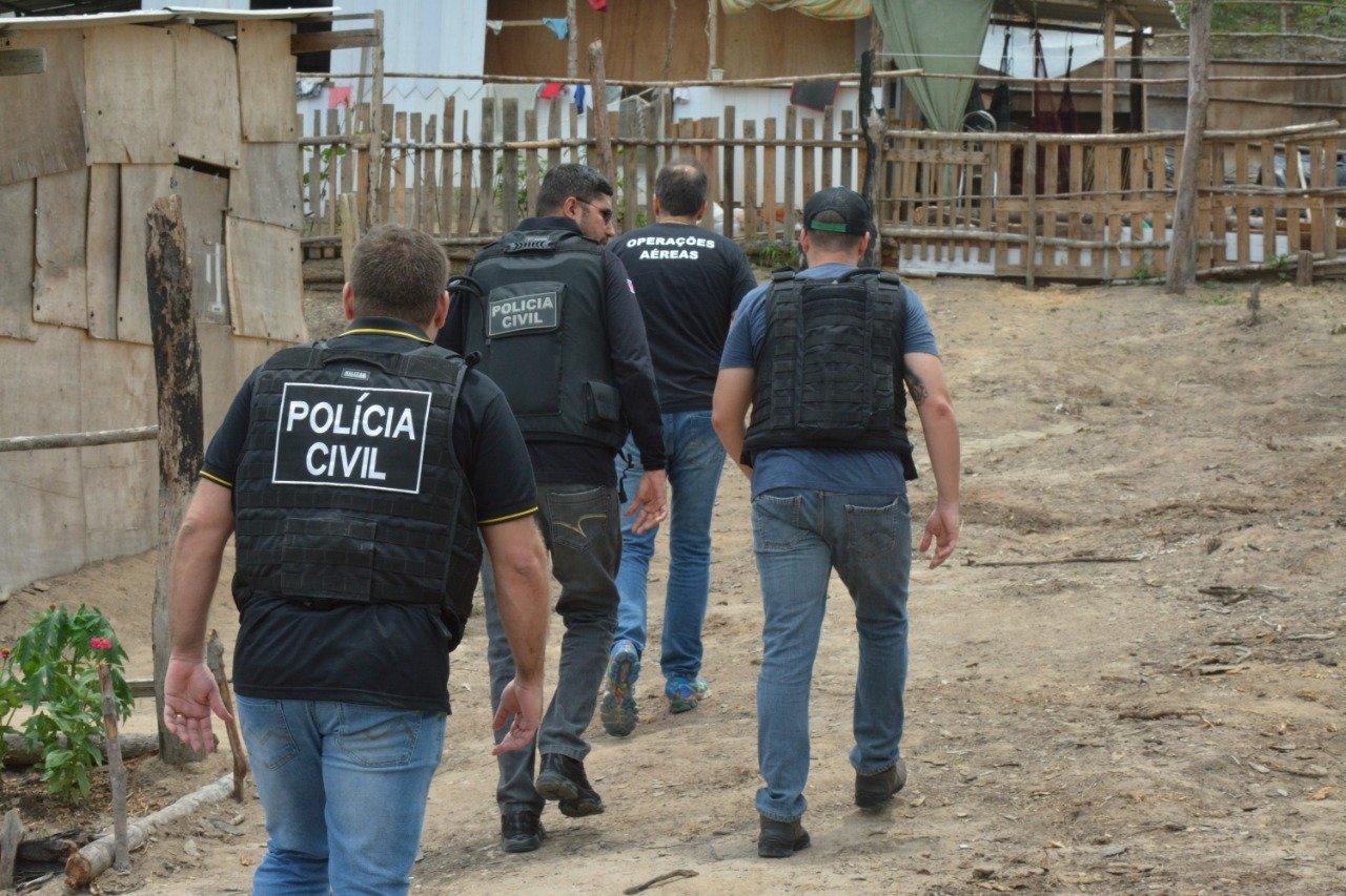 Operação na invasão Monte Horebe resulta na prisão de quatro homens / Foto : Divulgação