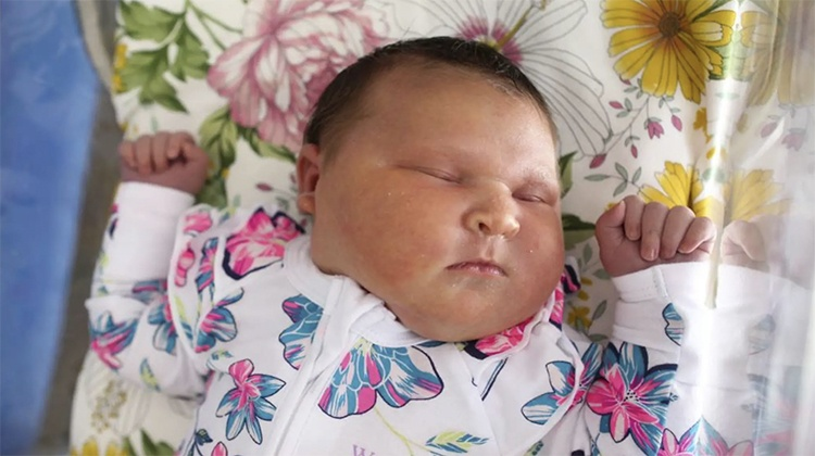 O caso do bebê que nasceu com quase 6kg / Foto : Divulgação