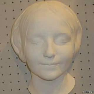 Rosto imortalizado em busto do século 19 foi parar em treinamentos de primeiros socorros / Crédito: Lorenzi