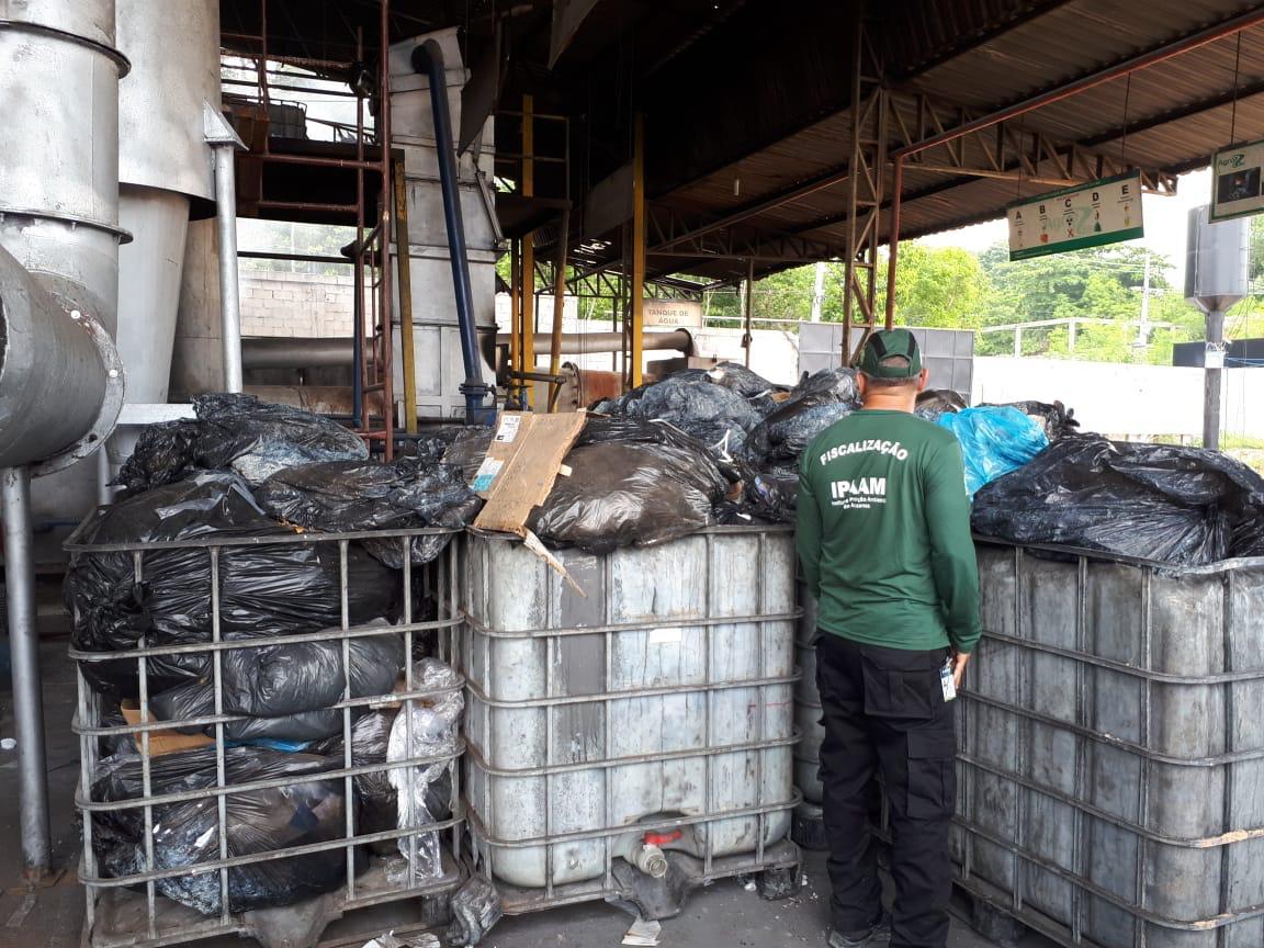 Empresa é multada em R$ 100 mil por descarte irregular de resíduos industriais / Foto : Divulgação Ipaam