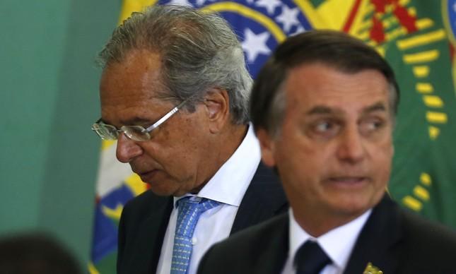 Bolsonaro diz que foi pressionado a demitir Guedes após menção ao AI-5