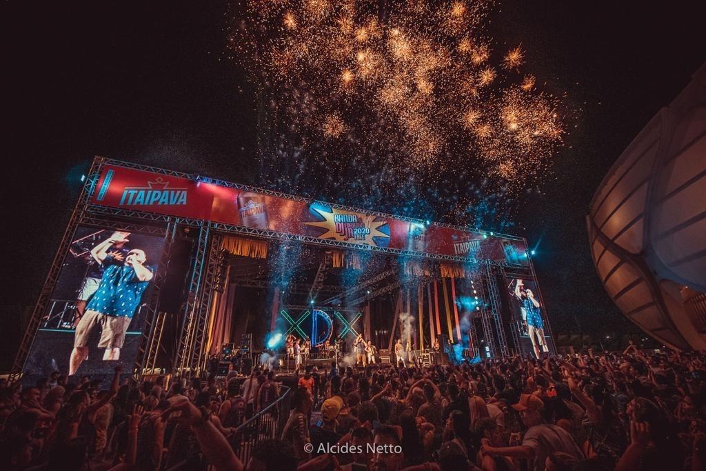 Banda do DJ Evandro Jr. levou 60 mil pessoas para a Arena da Amazônia / Foto : Alcides Netto