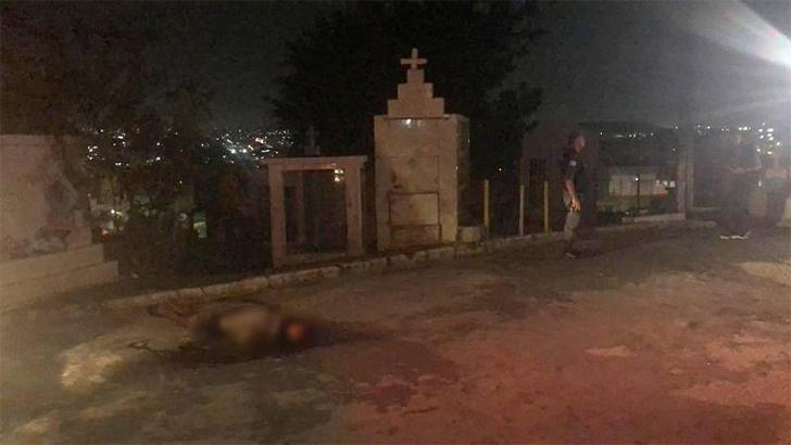 Homem é executado com vários tiros na cabeça dentro de cemitério em Manaus