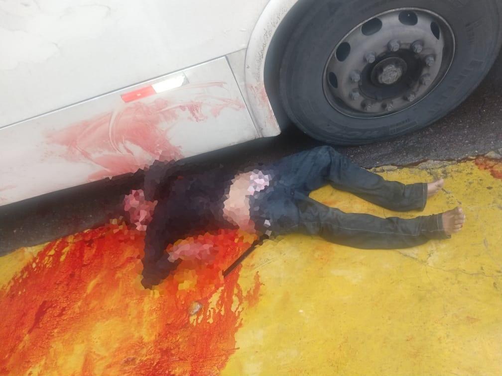 Suspeito de ter cometido assalto é linchado até a morte por passageiros, em Manaus
